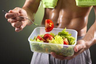 Чтобы убрать живот, нужно правильно питаться, сообщила тренер