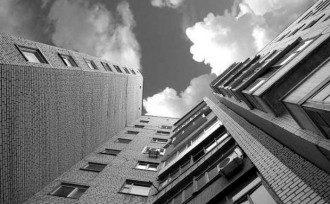17-летняя студентка упала с 11 этажа общежития