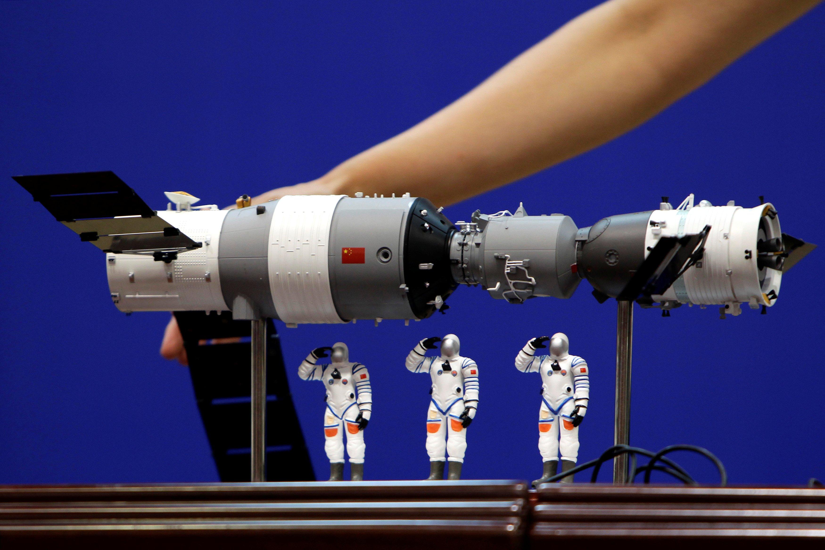 Остатки космической станции прошли атмосферу Земли