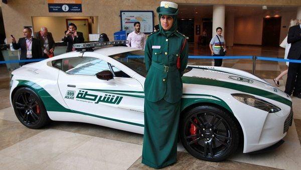 Сотрудница полиции Дубая