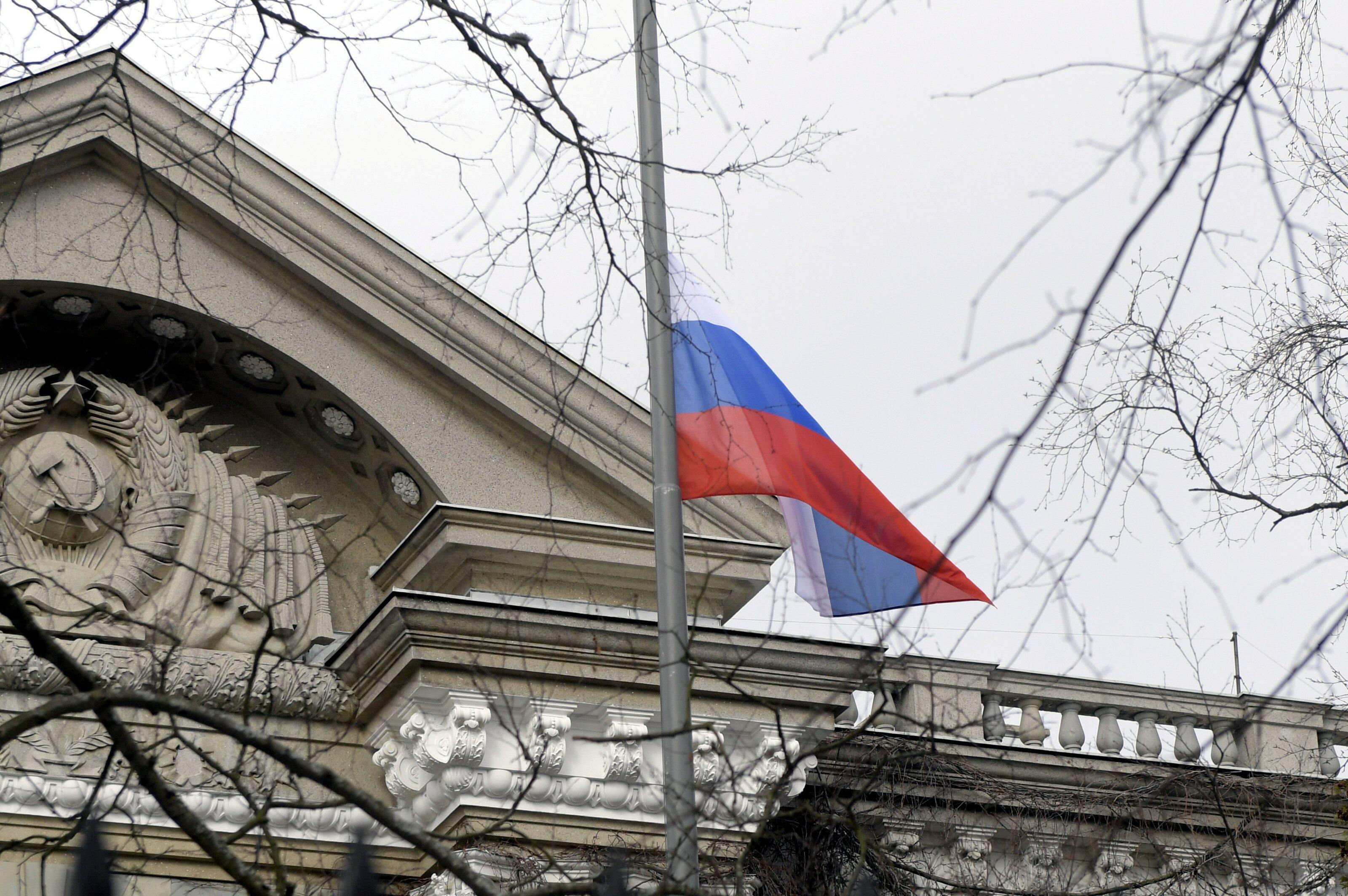 В России идет гражданская война, полагает Александр Сотник
