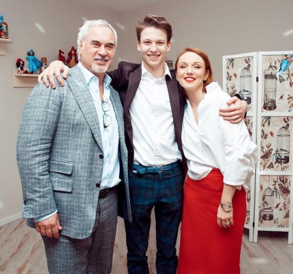 Валерий Меладзе, Альбина Джанабаева и их 14-летний сын Константин