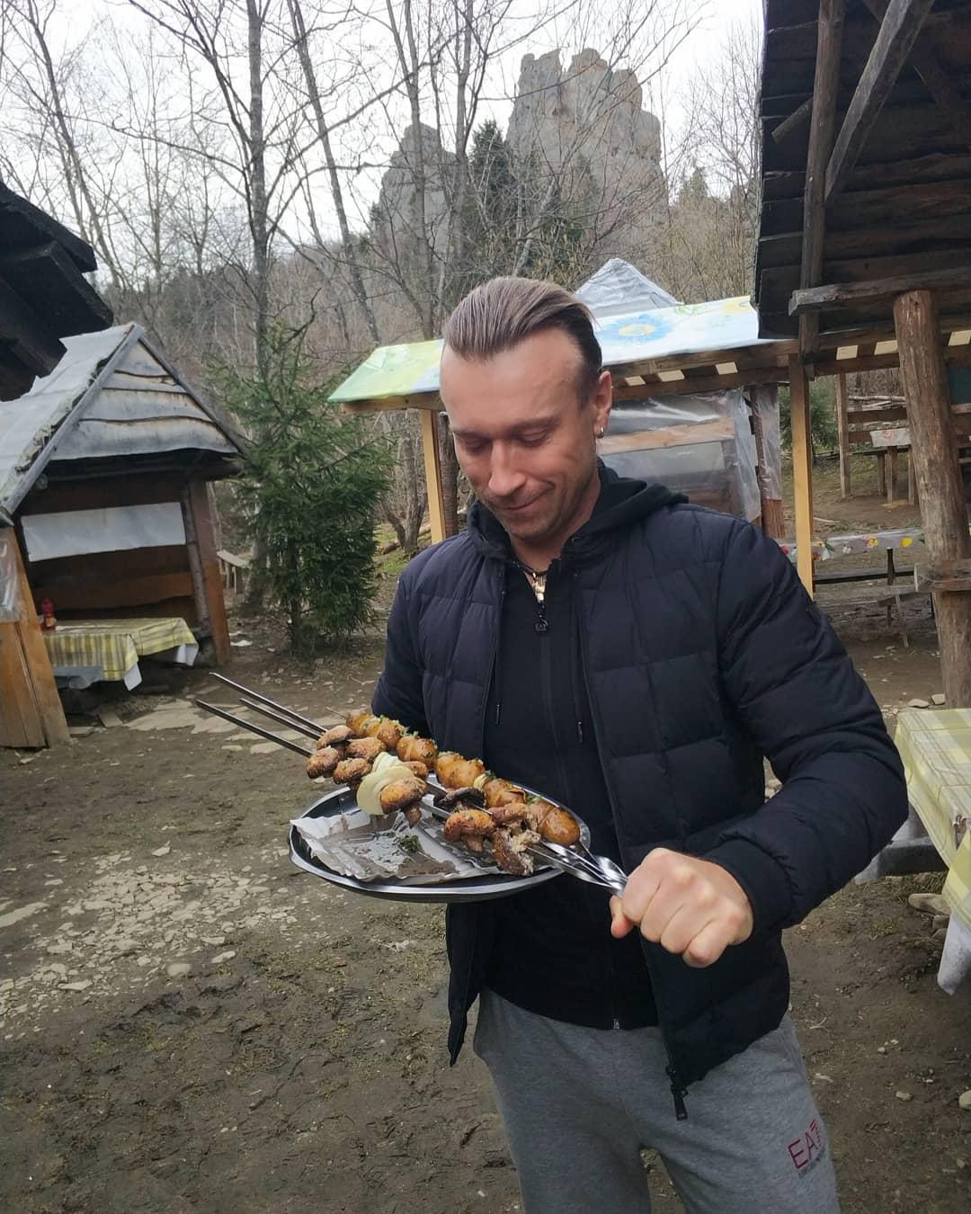 Украинский певец похвастался своим блюдом
