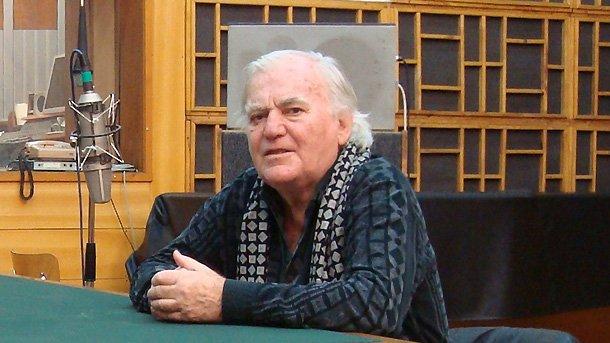Композитор написал более тысячи песен