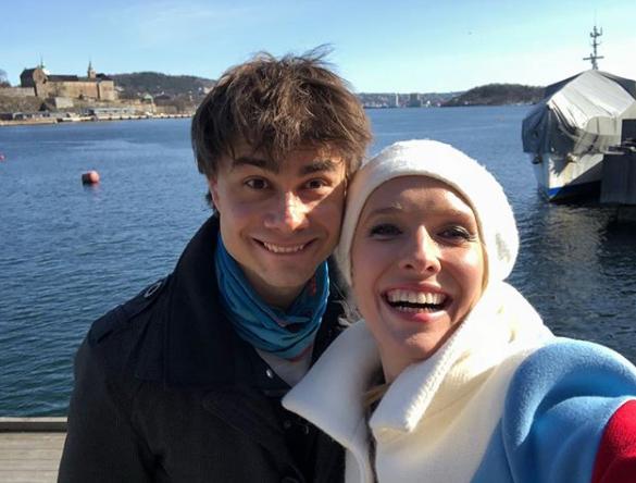 Катя Осадчая позировала с Александром Рыбаком
