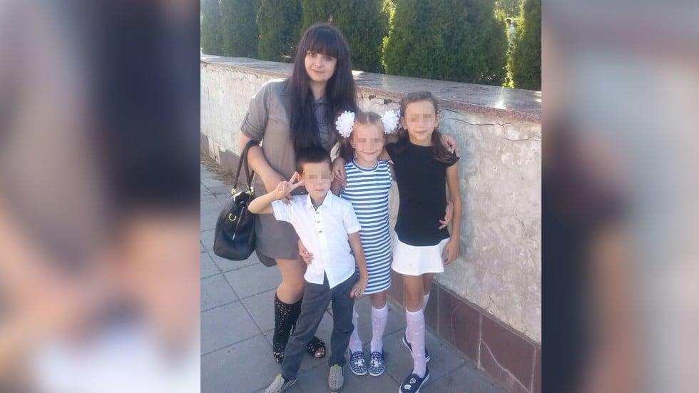 Марина К. с детьми
