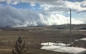 Канаду накрыло небесное цунами