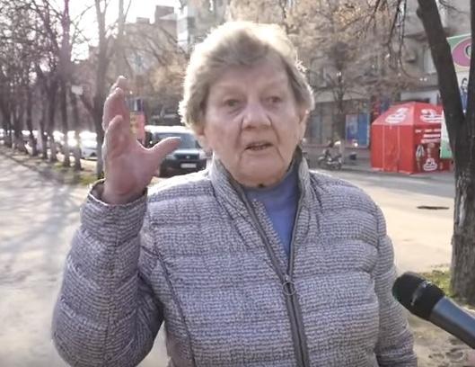 Пенсионерку в Славянске не устраивают