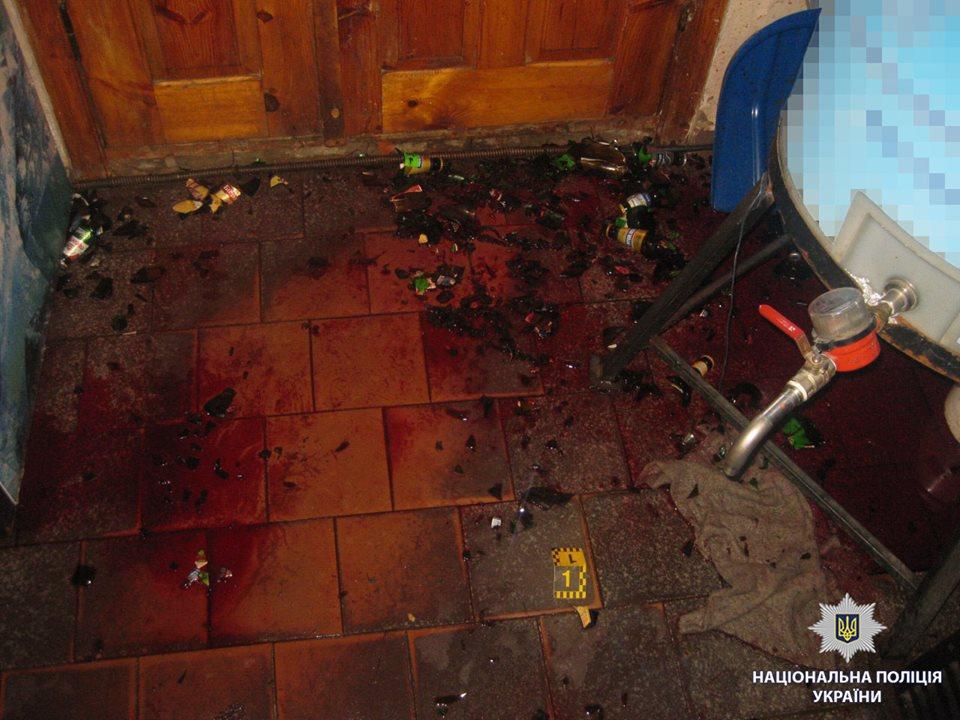 В Харькове мужчина бутылкой убил продавщицу
