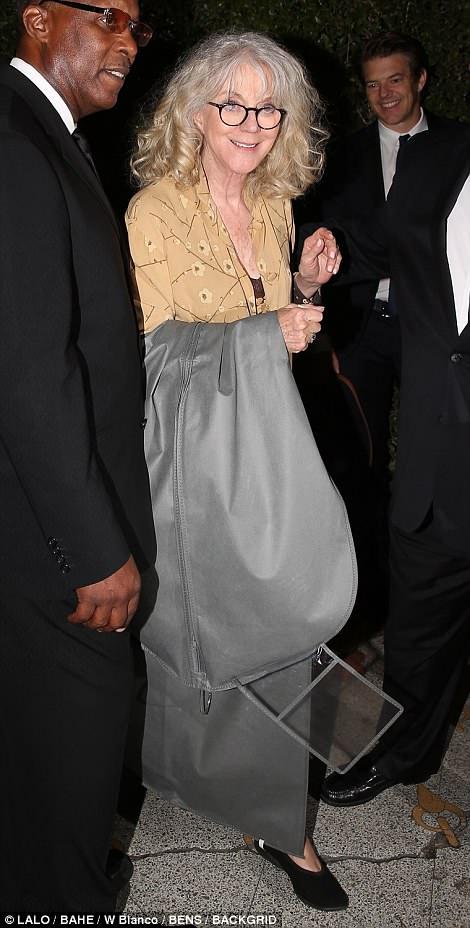 СМИ утверждают, что мама Гвинет приехала со свадебным платьем