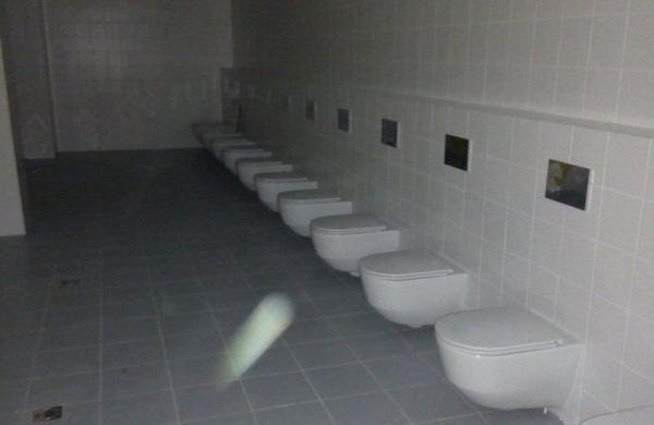 Спортивный комплекс сдан, а туалеты пока без перегородок