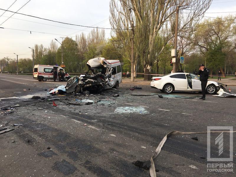 В Кривом Роге произошла страшная смертельная авария с участием трех авто