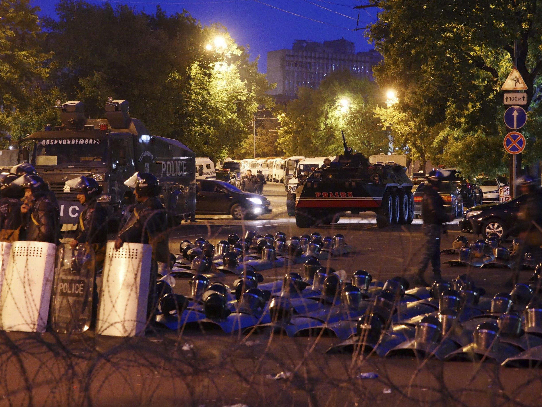 Армении приходится долго идти к Майдану