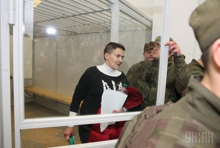 Надежда Савченко сказала, что при допросе на полиграфе спрашивали, собиралась ли она добивать автоматами нардепов после теракта