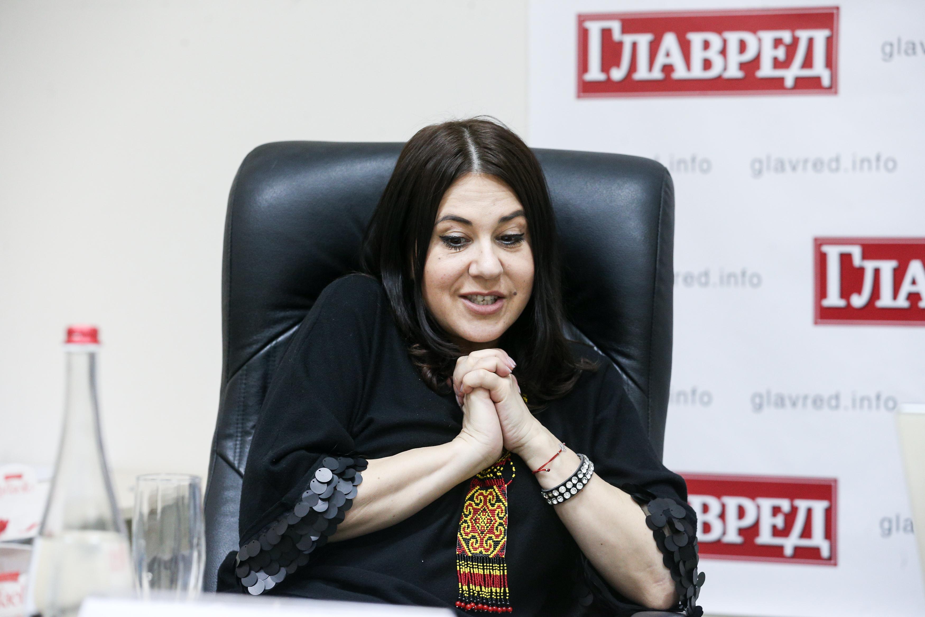 Рудницкая объяснила, как организовывает туры артистов в АТО.