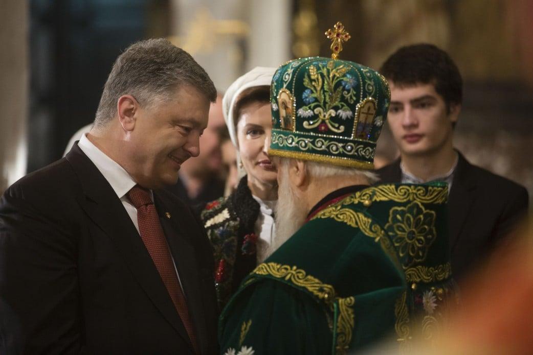 В УПЦ МП раскритиковали идею Порошенко создать единую поместную церковь.