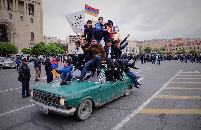 Победу революции в Армении поддержали пользователи соцсети