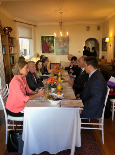 Министры иностранных дел на кухне у Христи Фриланд завтракают в неформальной обстановке