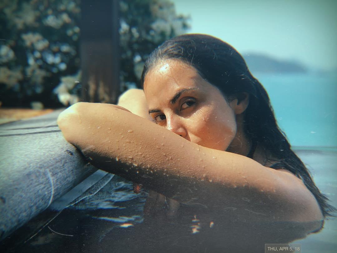 Певица снялась в необычном ролике под водой