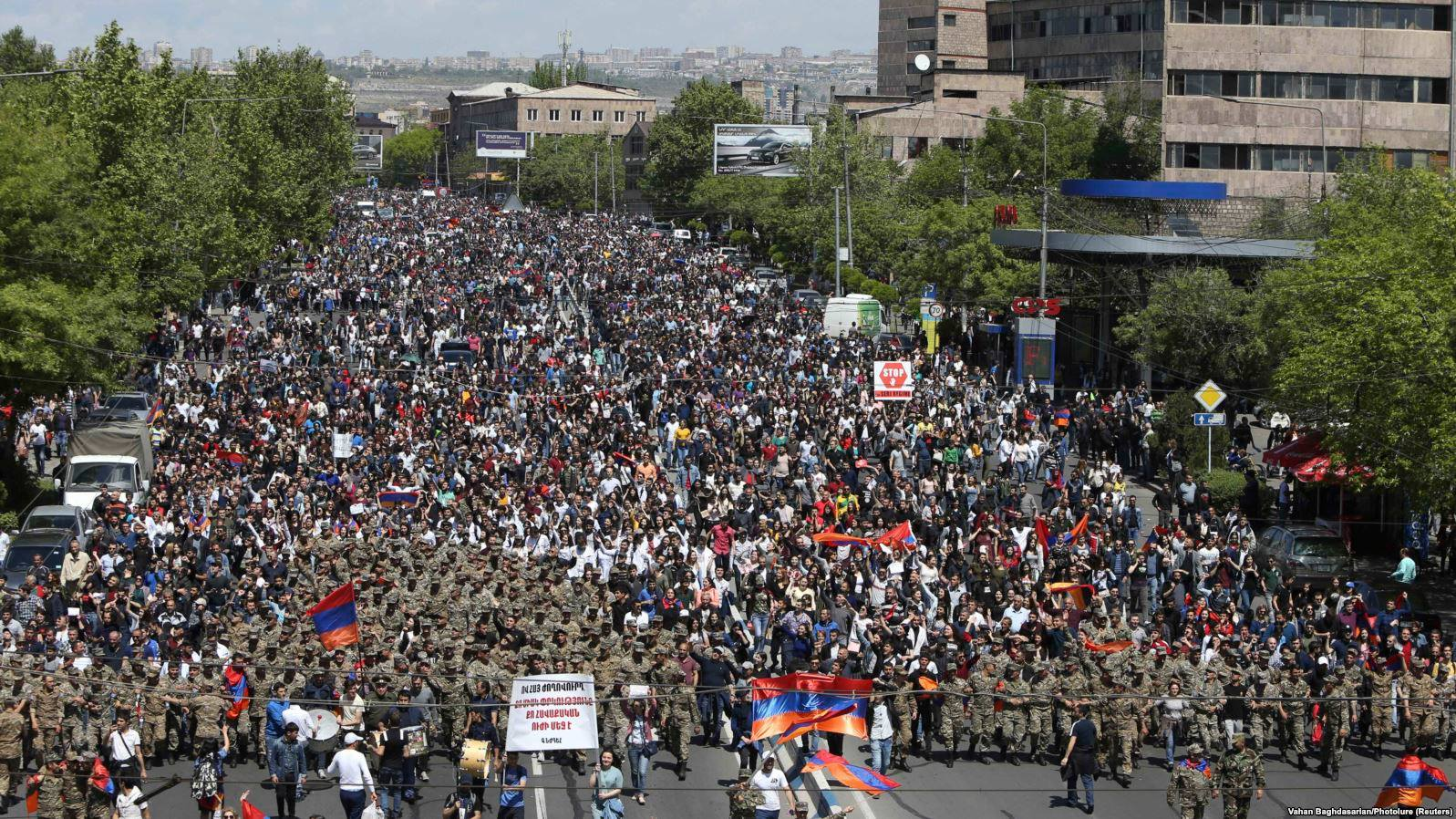 Протесты в Армении продолжаются