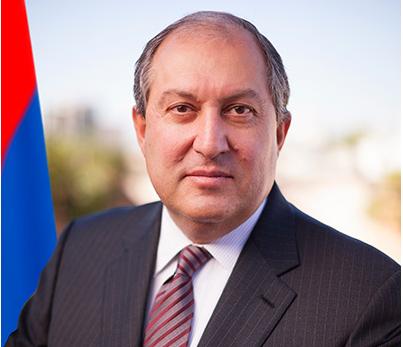 Президент Армении отправил правительство в отставку