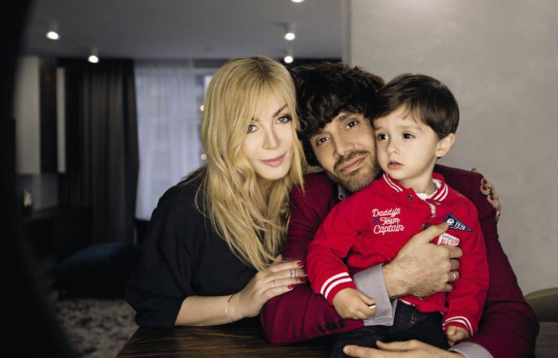 Это первый опыт профессиональной фотосессии для сына супругов Табриза