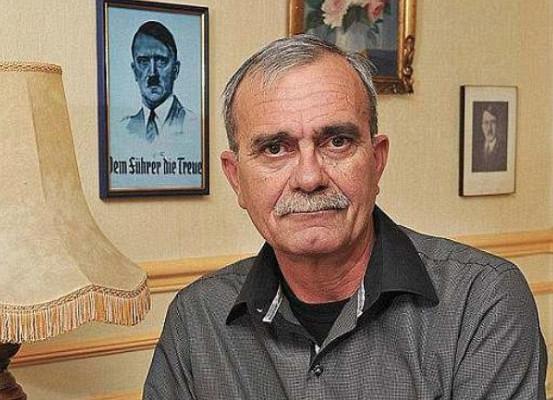Филипп Лоре называет себя внуком Гитлера.