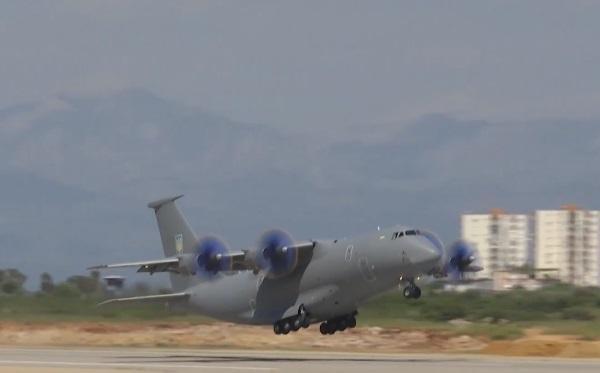 Ан-77 понадобилось 350 метров, чтобы оторваться от земли