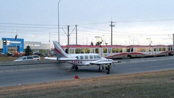 Самолет после экстренной посадки