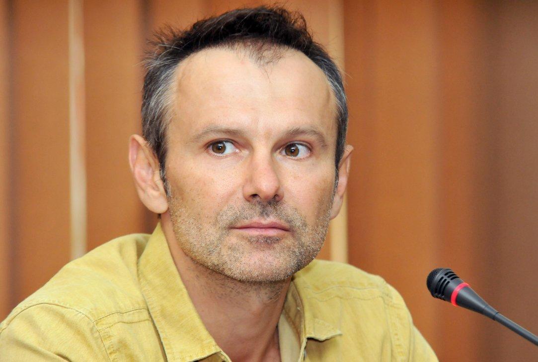 Вакарчук просит подписать петицию