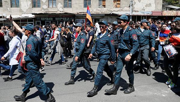 Правящая партия Армении отреагировала на протесты граждан