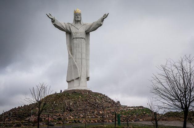 Cтатуя Христа Царя в Свебодзине давала
