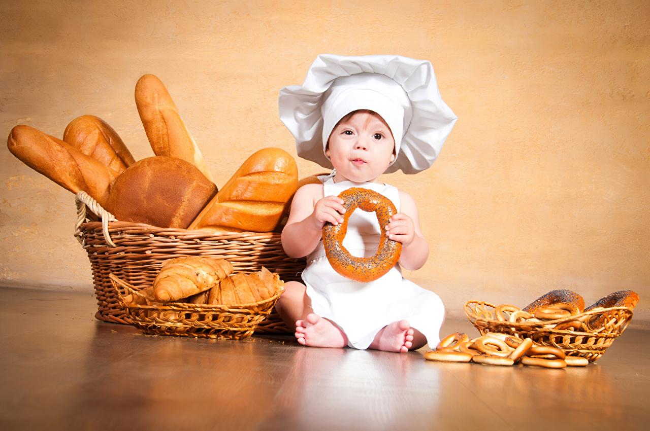 Диетолог сказала, что людям с нормальным здоровьем нужно съедать в день 150 граммов пшеничного хлеба и столько же — ржаного