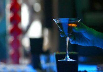 Диетолог сообщила, что сахар и алкоголь — наркотики, от них нужно отказаться