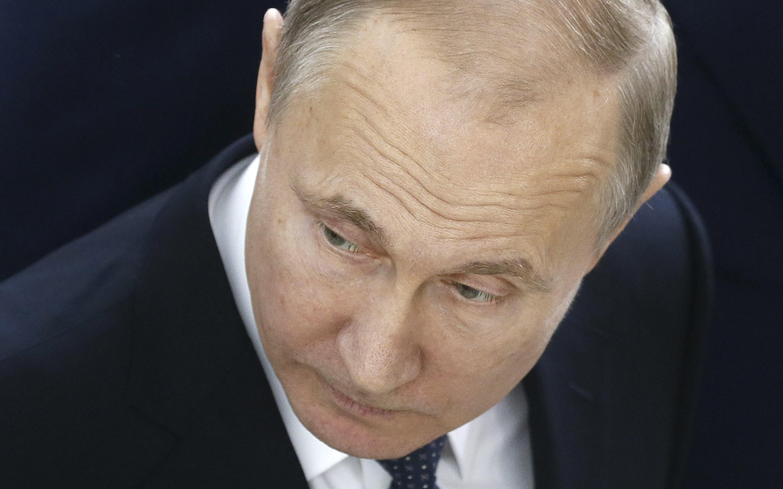 В Британии вышла стебная книга о том, как расширить свои границы с помощью приемов Владимира Путина