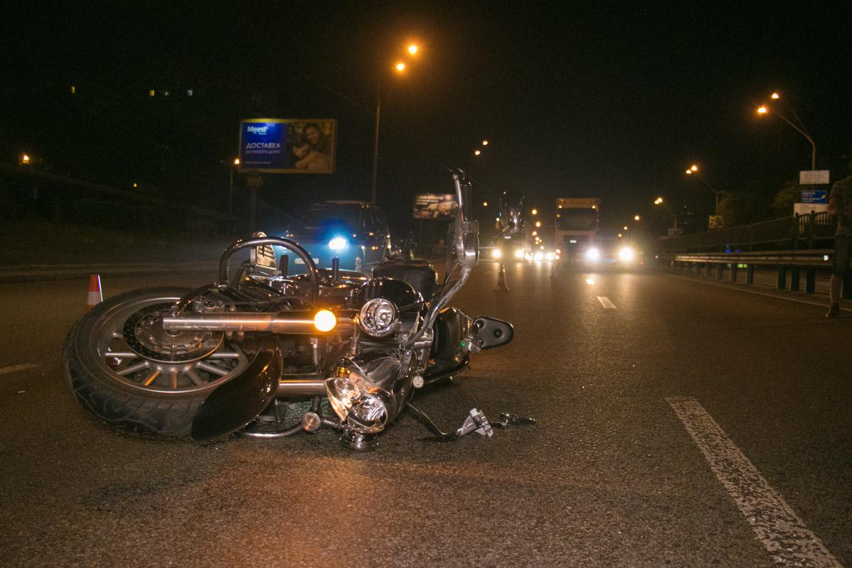 В Киеве в ДТП погиб мотоциклист