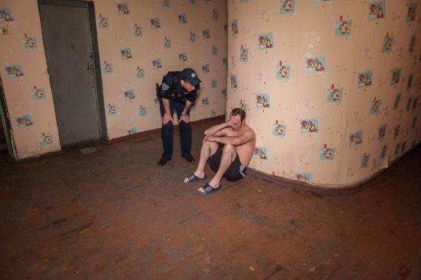 В Днепре из-за громкого секса в общежитии вспыхнула кровавая драка: фото, видео