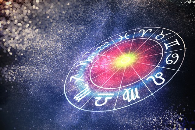 Львам, Весам и Рыбам гороскоп на 6 октября 2019 сулит триумф - Гороскоп 2019