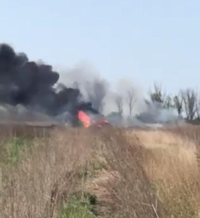 На Донбассе боевики уничтожили авто волонтеров с гуманитарной помощью