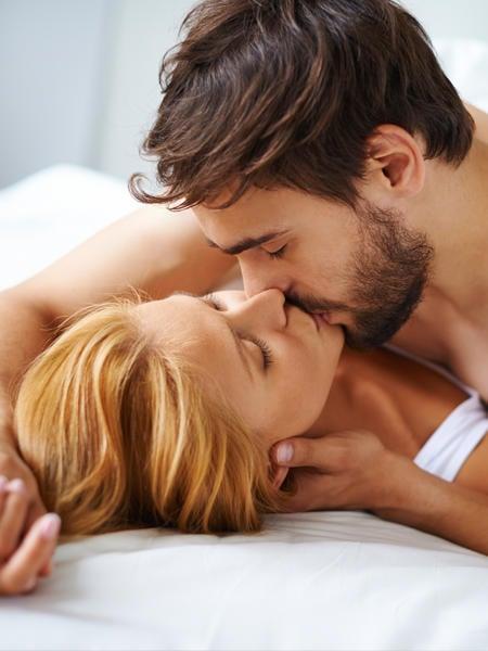 Парочка, занимающаяся интимом