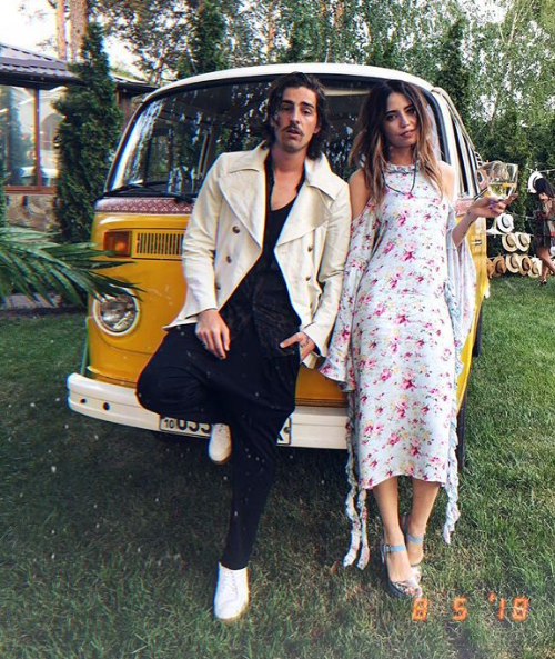 У Нади Дорофеевой на фото с мужем заметили