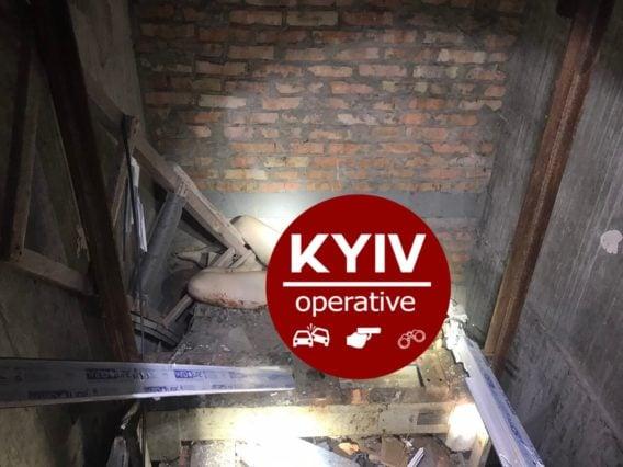 В Киеве девушка на свидании упала с высоты 25-го этажа в шахту лифта и погибла
