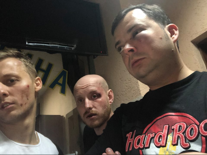 Александр Шуфрич с друзьями