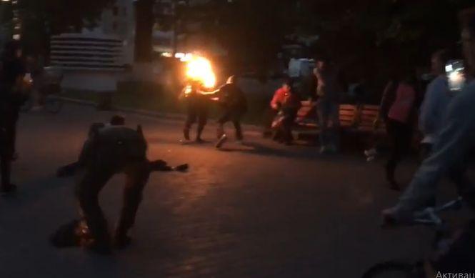 В центре Луцка горел мужчина
