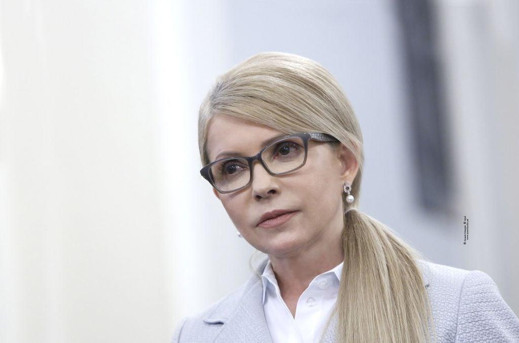 Тимошенко попытается вытащить Порошенко во второй тур