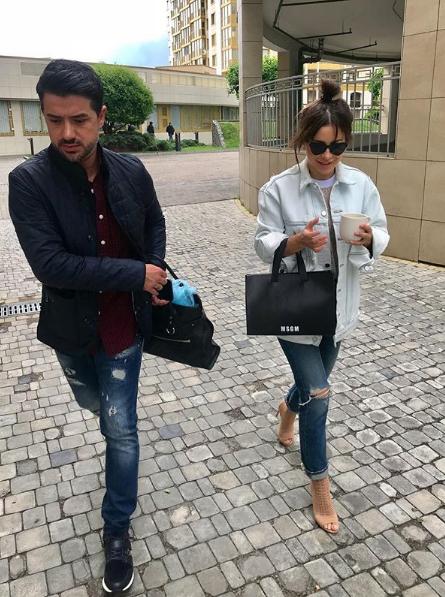 Ани Лорак приехала в Киев с мужем Муратом Налчаджиоглу