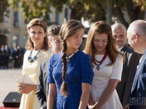 Дочки президента окончили школу, но не в Украине