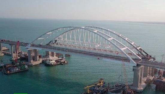На строительство моста оккупантами щебень поставляли из Украины