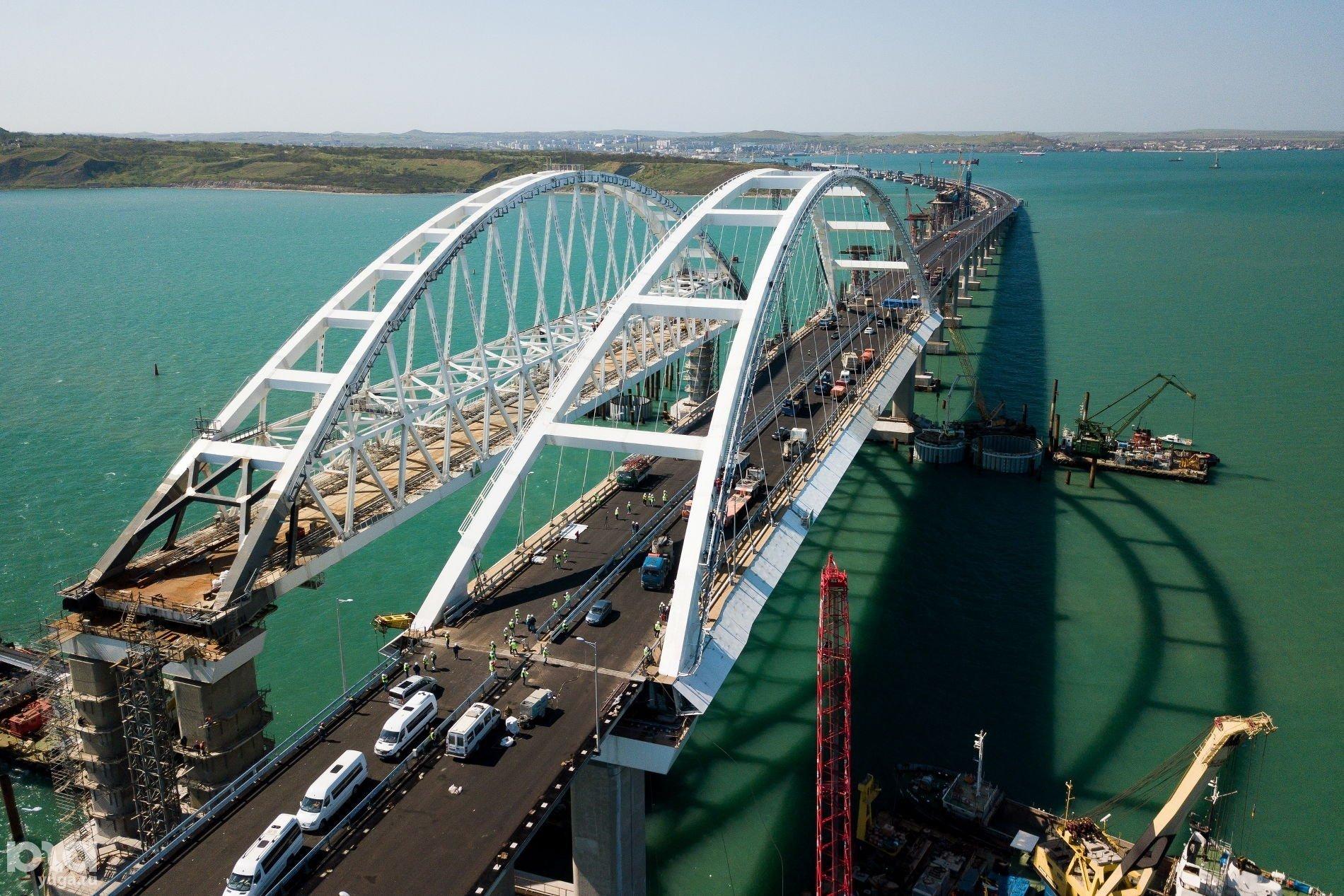 Крымский мост помогали строить украинцы – постпред Порошенко.