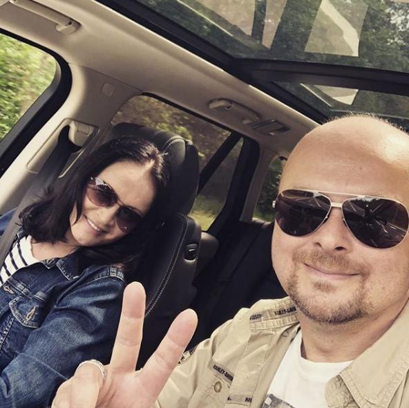 София Ротару позировала с сыном Русланом Евдокименко в авто